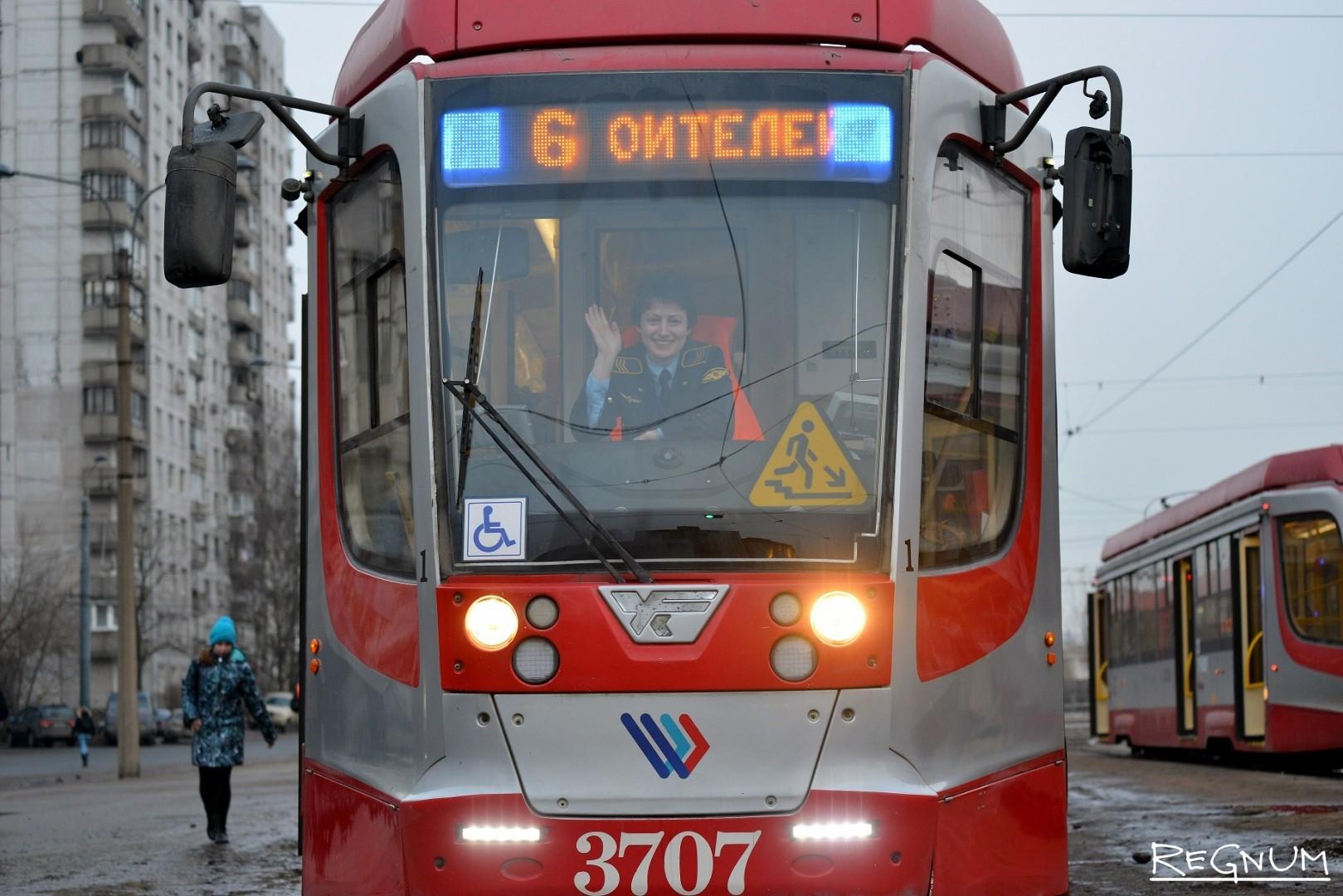 Водитель трамвая на маршруте №6 — Анастасия Данилова